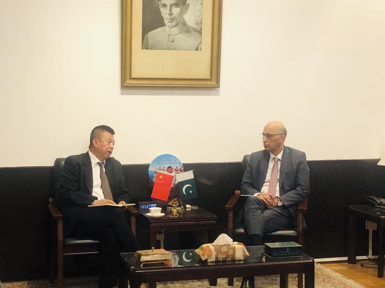 和振伟秘书长与巴基斯坦驻华大使会谈
